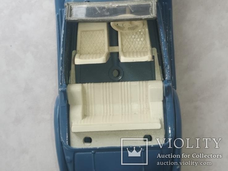 Модель ретро автомобиля (кабриолет), фото №7
