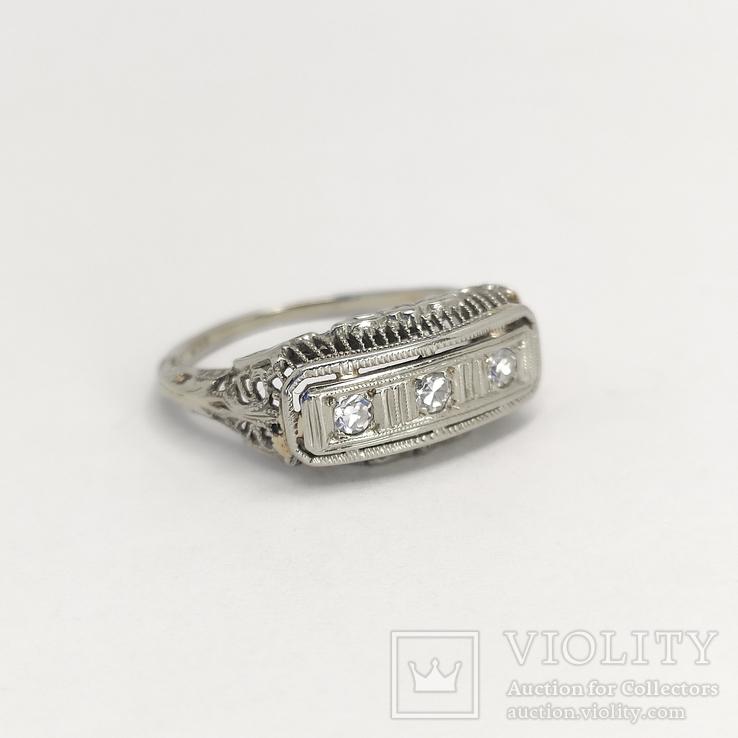 Золотое кольцо эпохи art deco с бриллиантами