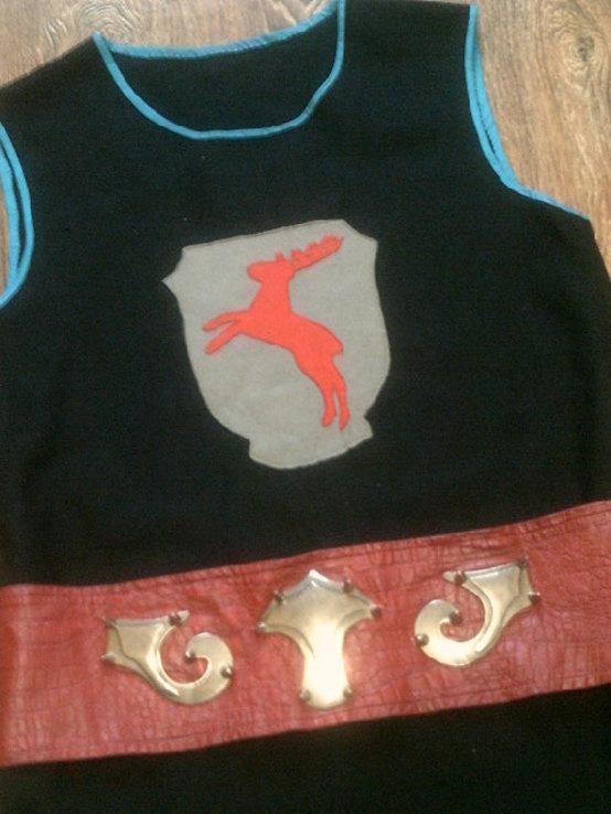 Крестоносец - теплая шерстяная безрукавка с ремнем, фото №5