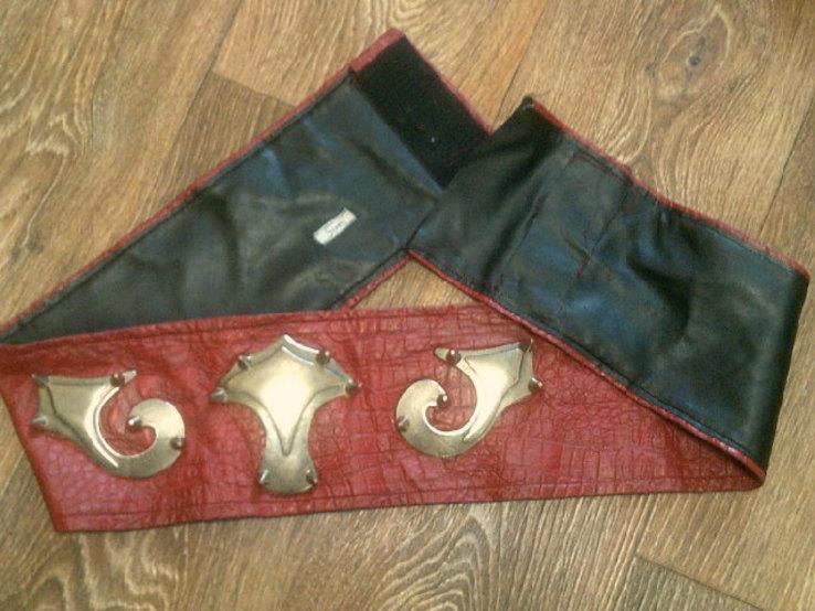 Крестоносец - теплая шерстяная безрукавка с ремнем, фото №10