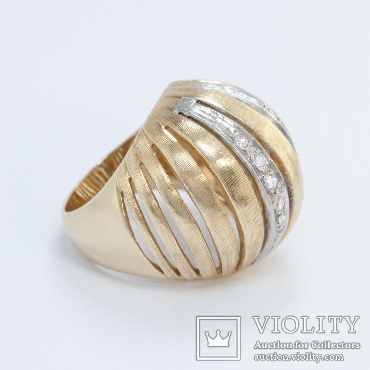 Винтажное золотое кольцо-сфера с бриллиантами