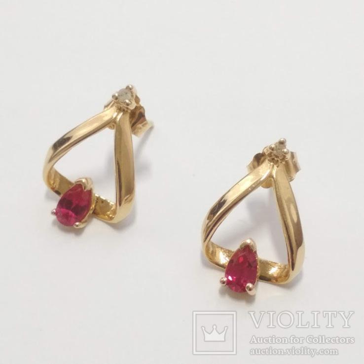 Серьги-пуссеты с рубинами и бриллиантами