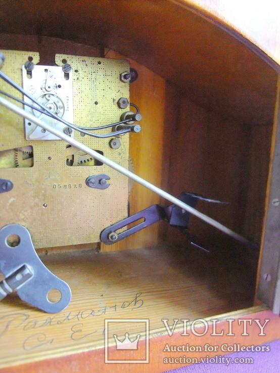 Часы каминные с боем ОЧЗ Орловский часовой завод 1957 год. Рабочие., фото №10