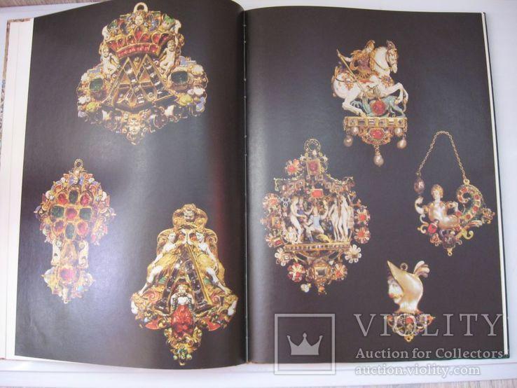 """Книга Музей """"Грюнес гевельбе""""самое богатое собрание драгоценностей в Европе, фото №6"""