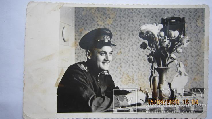 Сержант ВВС и цветы, фото №2