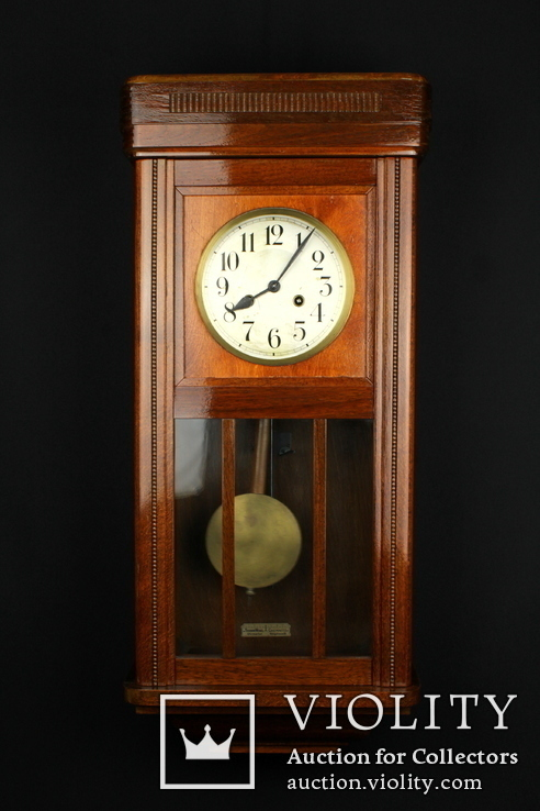 Старые настенные маятниковые часы с боем. Германия