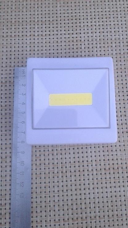 Светильник-выключатель клавишный светодиодный на батарейках, фото №3