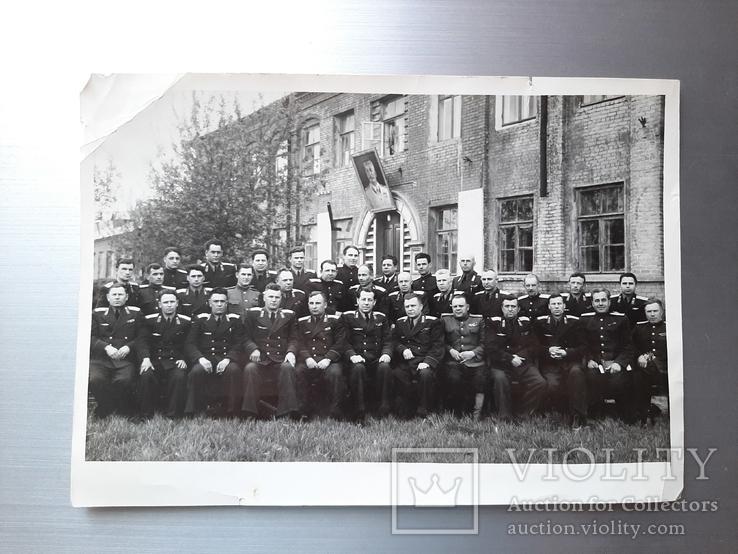 Групповое фото офицеров с перечнем фамилий на обороте, фото №2