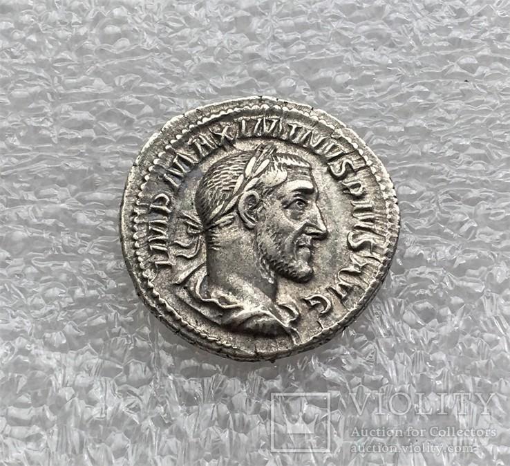 Максимин Фракиец денарий RIC 13, фото №2
