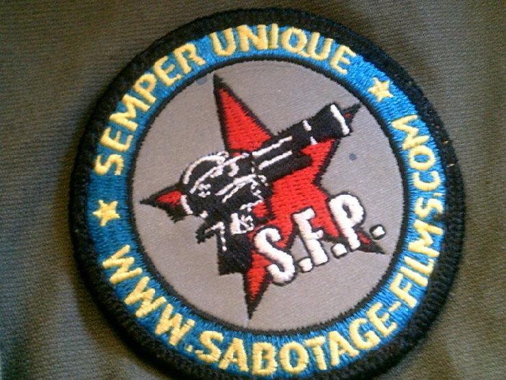 Sabotage semper unique - плотные шорты с ремнем, фото №7