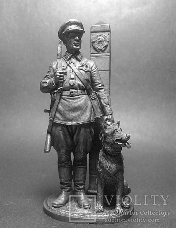 Младший сержант Пограничных войск НКВД с собакой, 1941, фото №2