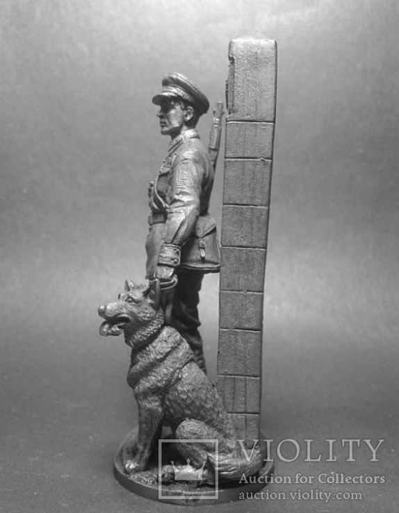 Младший сержант Пограничных войск НКВД с собакой, 1941, фото №3