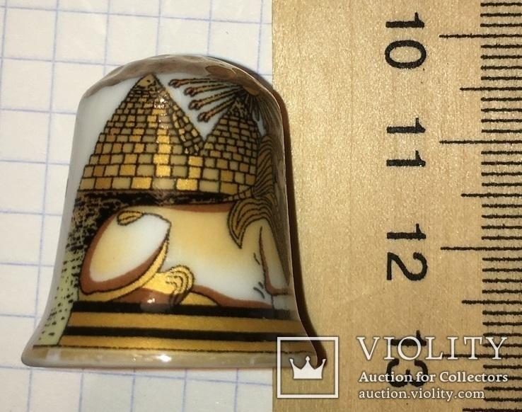 Сувенирный коллекционный наперсток сфикс, пирамиды, бог солнца Атон (фарфор), фото №4