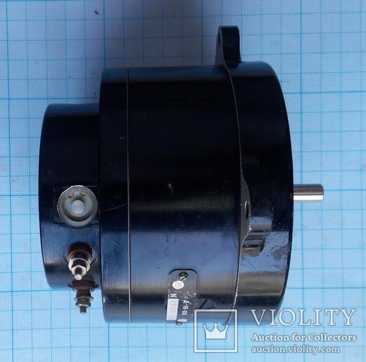 19 Электродвигатель Д16-06, фото №7