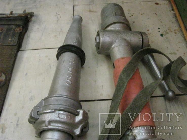 Каска пожарника ссср и 2 пояса и 2 наконечника на рукава, фото №13