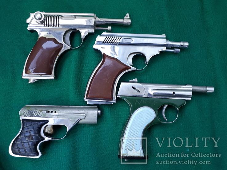 Коллекция  зажигалок СССР ( пистолеты)