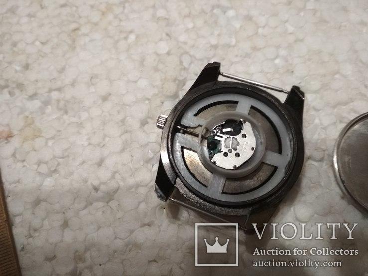 Feat  кварцевые часы, на ходу, но не работает перевод стрелок, фото №7