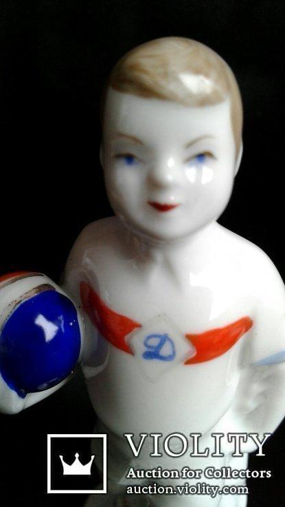 Фарфоровая статуэтка Юный динамовец. М. Интизарян. Барановка, фото №6