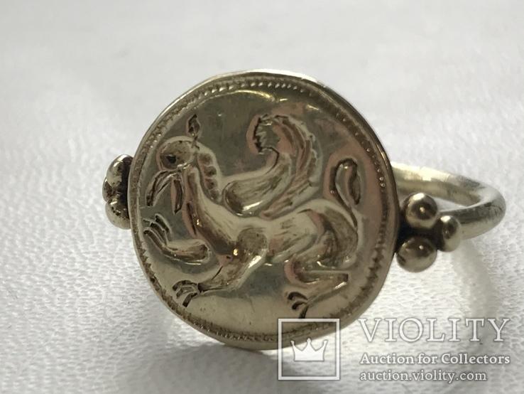 Золотой перстень с грифоном, фото №2