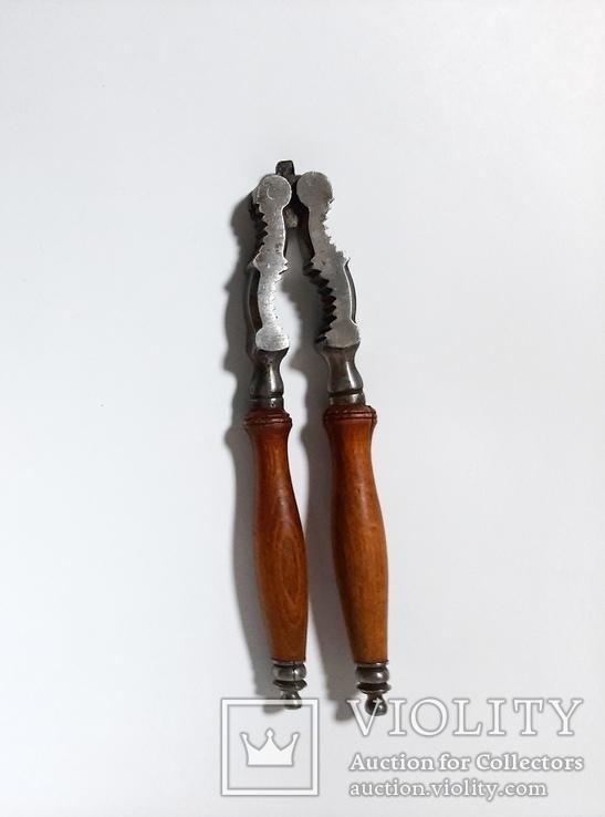 Орехокол металлический с деревянной ручкой, фото №2