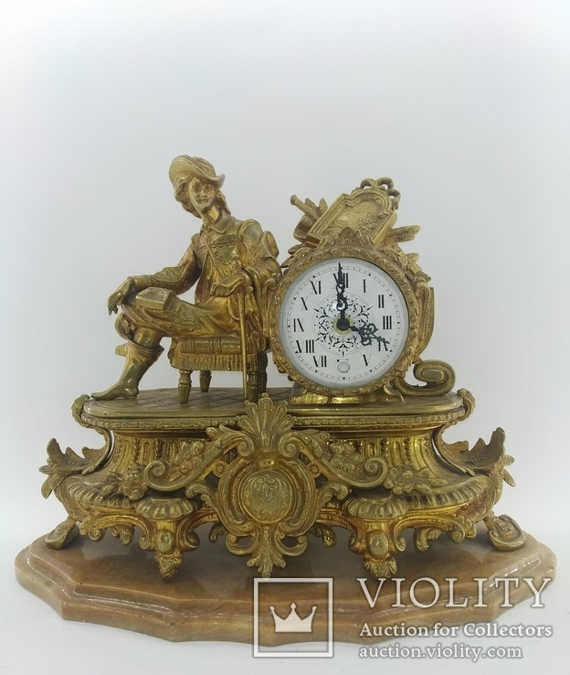Камінний годинник на мармуровій підставці арт. 0307