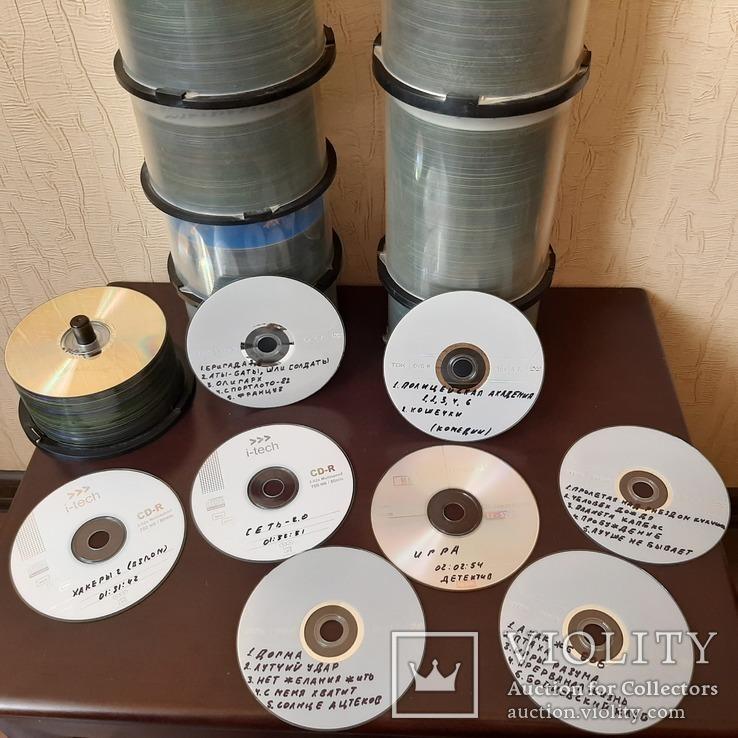 Коллекция дисков с фильмами, мультфильмами, фото №2