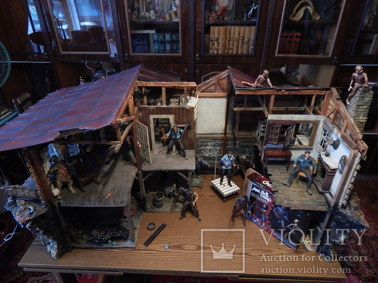 Коллекция  статуй , фигур и макетов  из фильмов-ужасов и фантастики, фото №7