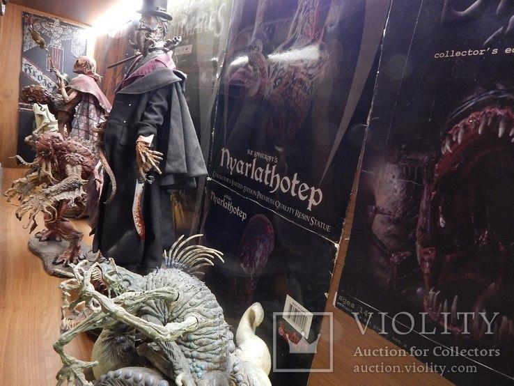 Коллекция  статуй , фигур и макетов  из фильмов-ужасов и фантастики, фото №13