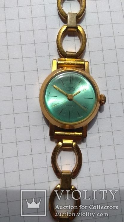 Часы женские Заря с браслетом, Аu
