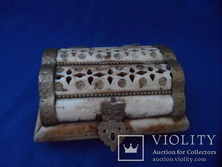 Шкатулка для украшений натуральная кость резьба Европа, фото №2