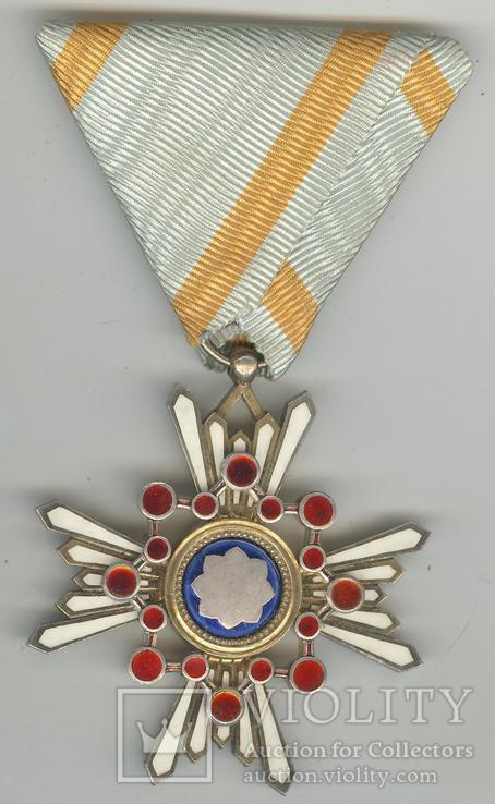 Орден священного Сокровища 5-й ст.
