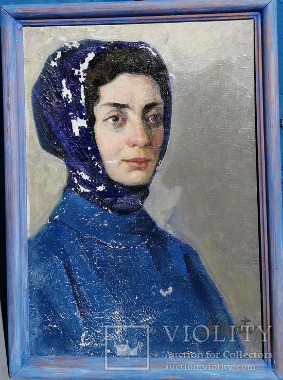 Павлюк А С. 1980г.женка у сине холсте.