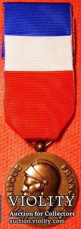 Франция, Медаль почета Министерства обороны, 3 Тип, разновидность - сухопутные войска, фото №2