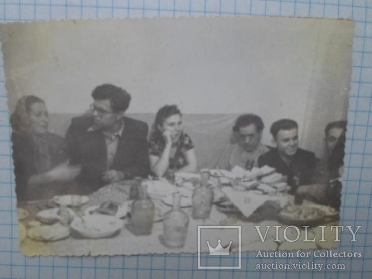 Старое фото. за столом, фото №2
