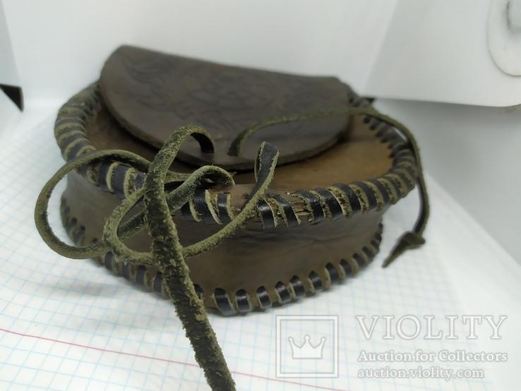 Кожаная сумочка с тиснением. На пояс. Плотная кожа, фото №5