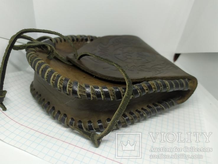 Кожаная сумочка с тиснением. На пояс. Плотная кожа, фото №6