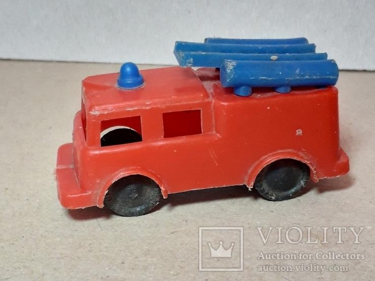 Машинка пожарная из СССР длина 9 см., фото №3