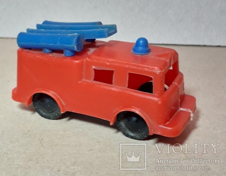 Машинка пожарная из СССР длина 9 см., фото №2