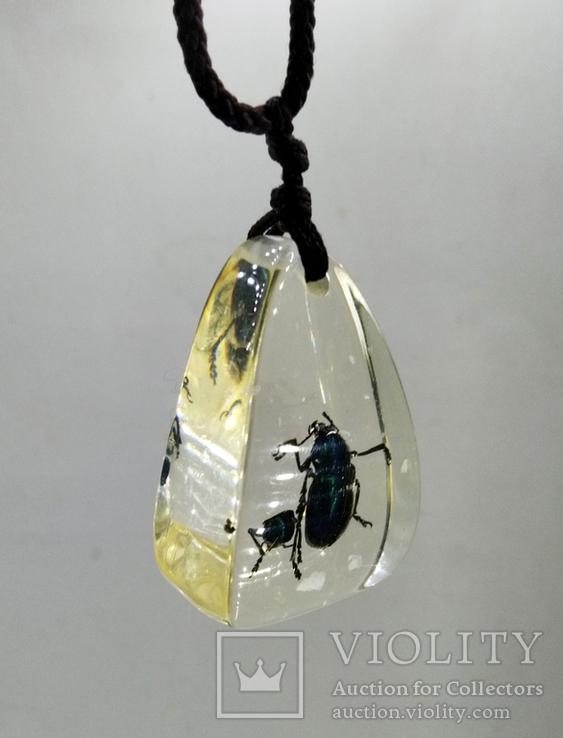 Кулон жуки в эбоксидке, на шнурке, фото №4