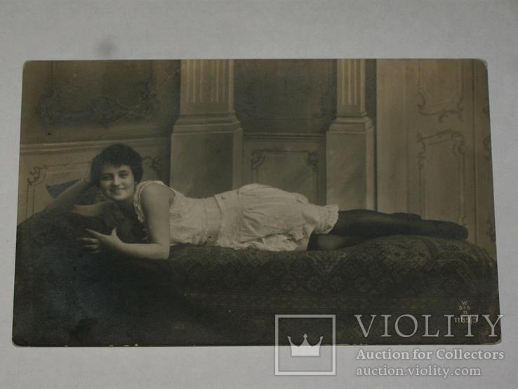 Открытка 1930-1950 год. Девушка  №146, фото №3