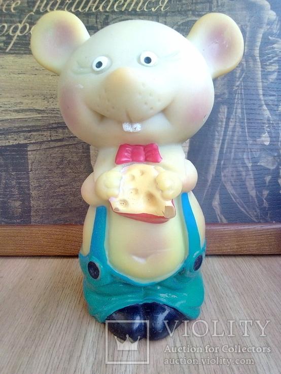 Игрушка резиновая мышь с сыром, цена 4 р.10 коп. СССР, фото №2