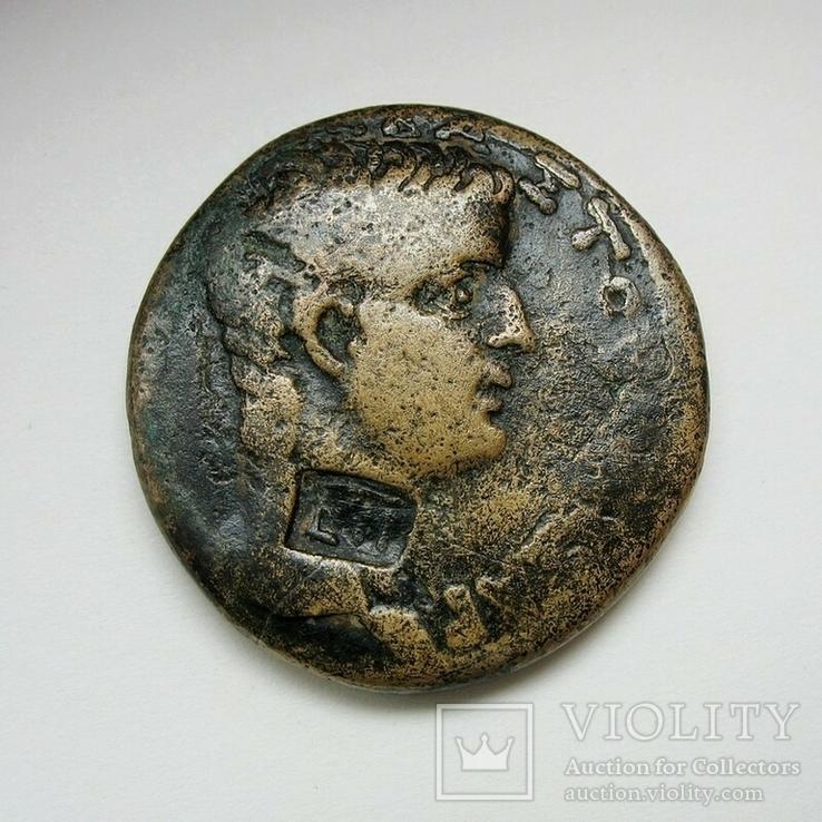 Тиберий, AE27, Антиохия, легионный надчекан LII