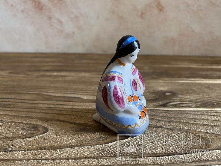 Скульптура-миниатюра - Украиночка с венком.Киев, фото №3