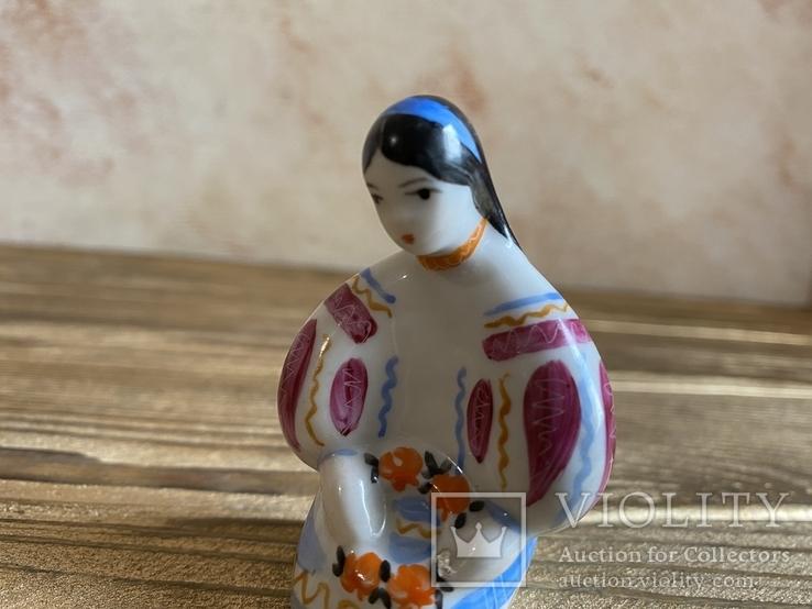 Скульптура-миниатюра - Украиночка с венком.Киев, фото №4