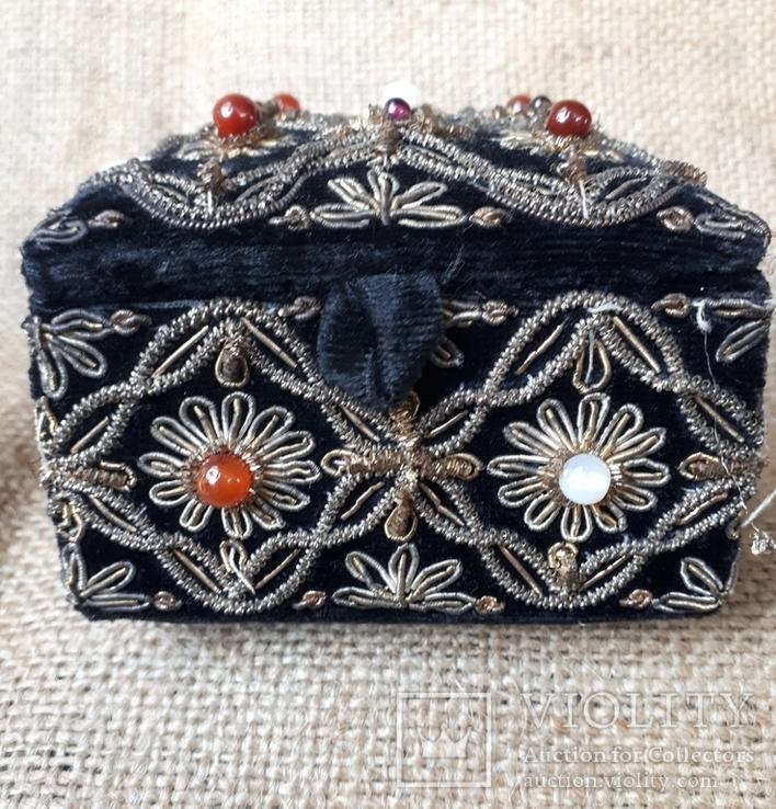 Бархатная шкатулка,вышивка канителью,Индия, фото №3