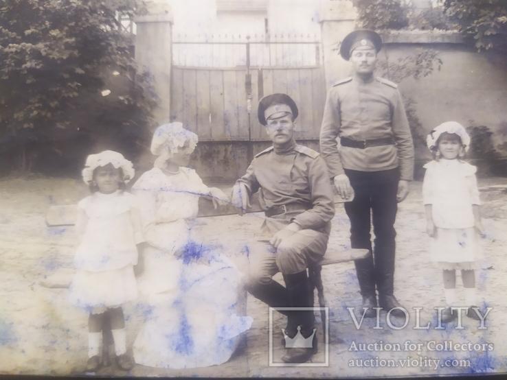 Офицер и солдат Первой Мировой с семьей старое фото, фото №2
