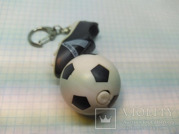 Брелок футбольный бутс с мячом. Свет (9.20), фото №4