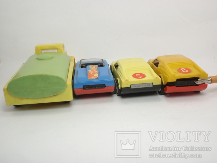 Три гоночные машинки СССР и Бензовоз, фото №4