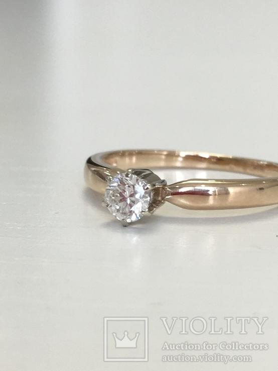 Золотое кольцо с бриллиантом 0,21 кт