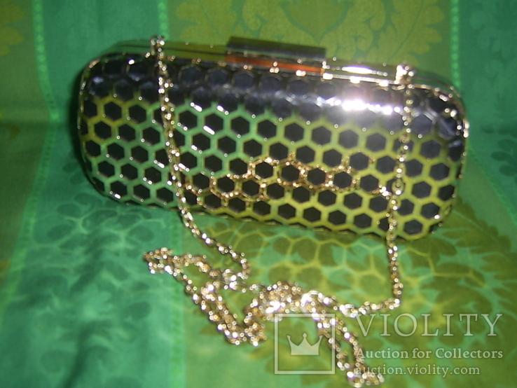 Сумочка на цепочке с позолоченным каркасом, фото №2